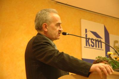 Zbigniew Olejniczak - przewodniczący Komisji Wnioskowej Zebrania szeroko omawiał wnioski zarówno zgłoszone na sali jak i te z ZGCz