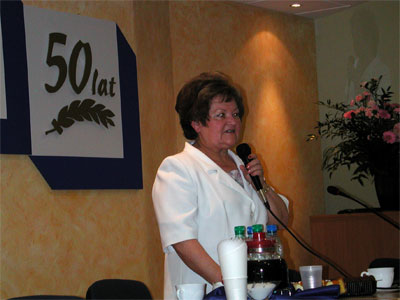 Krystyna Piasecka – Prezes Zarządu KSM otwiera obrady