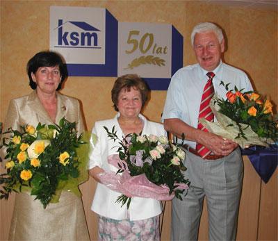 Zarząd KSM: Krystyna Piasecka – prezes, Teresa Żabińska – członek Zarządu i Andrzej Kępys – wiceprezes w chwilę po otrzymanym w tajnym głosowaniu absolutorium za działalność w 2006 roku